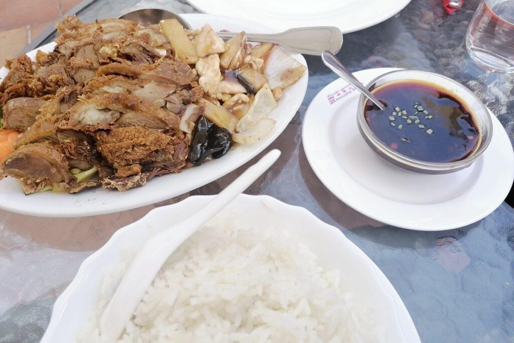 Čínské menu pro dva. Zavonělo nad soutokem Labe a Vltavy